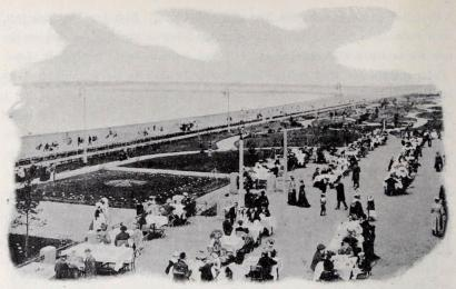 Ett kokotternas älsklingsställe, strandpromenaden på Sestroretzk.