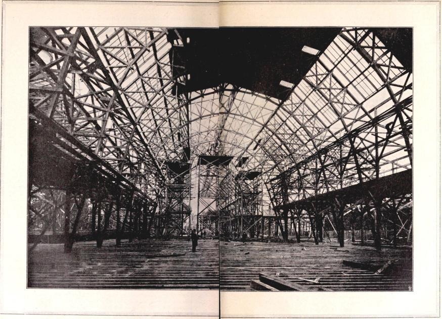 Industrihallen under byggnad. Interiör hösten 1896.<bEfter fotografi för »För Svenska Hem» af B. Orling.
