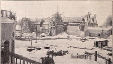 Arméns och flottans utställning under byggnad (se sid. 67 o. 69).