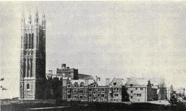 <smalGraduate College vid Princeton University med huvudentrén.</smal