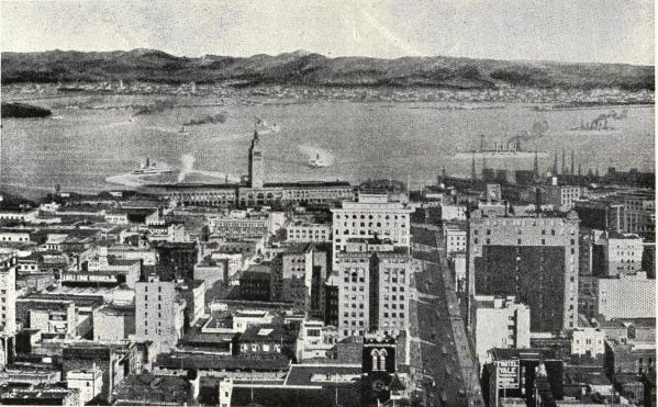 <smalAffärskvarteren i San Francisco med bukten och Oakland Berkeley och Alameda i bakgrunden.</smal