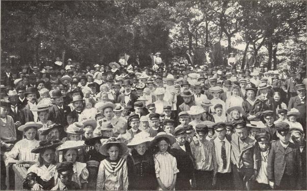 Från stationskarlsmötet i Eslöf sommaren 1904.<b<smalFoto Föjer, Eslöf.</smal