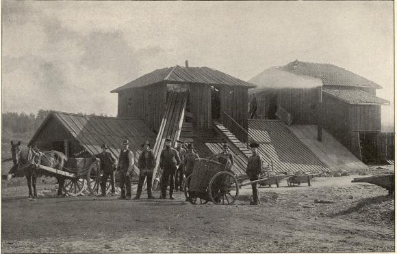 Nordmarkshyttan, en af de äldsta hyttorna i Värmland.<b<smalFoto Ölander, Filipstad.</smal