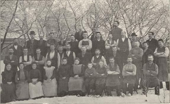 Arbetare vid Santessons skofabrik, Eslöf.<b<smalFoto Föjer, Eslöf.</smal