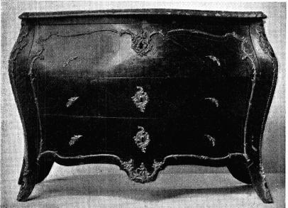 Fig. 12. Byrå,<bsignerad J. H. Reimers. H. 0,81 m., 1. 1,23 m. N. M. 113,447.