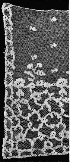 Fig. 14. Vadstenaspets.<bBredd 0,37 ro.  N. M. 113,241.