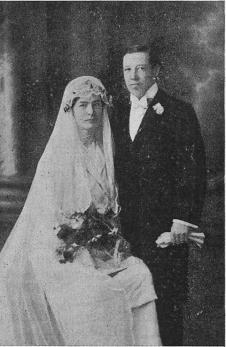 <smalMissionärsparet Nanny och Karl Bergman, som sammanvigdes i brudens hem i Tångeberg, Västergötland, den 22 febiuari 1924.</smal