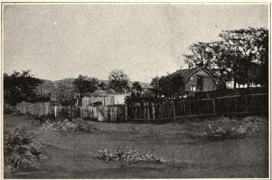 Kåkar öster om Mariebergskyrkogården