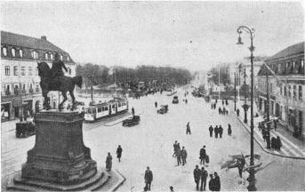 Carl IX Statue and Kungsportsplatsen