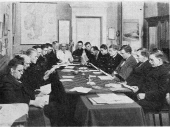 Chauffeurs studying English at Götabergsgatan 26 (Headquarters)