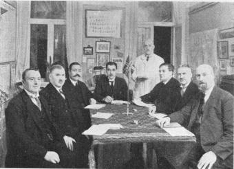 The Railway Guards of the Bergslagernas Railway studying English at Dawson's School of Languages