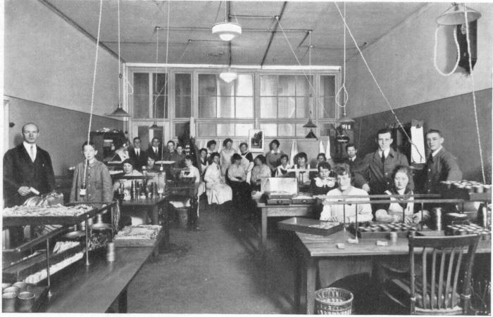 Interiör från kassakontoret före 1921