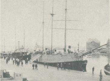 "<bFoto Boge, Svensk Filmindustri.<b<b""Svensksund""  och ""Fram"" i  Stavangers  hamn  den 24 sept.  1930."