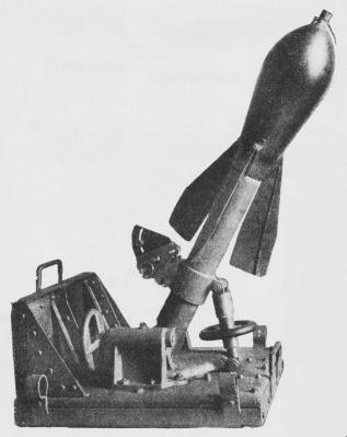Fig. 10. 6 cm svensk Minekaster.