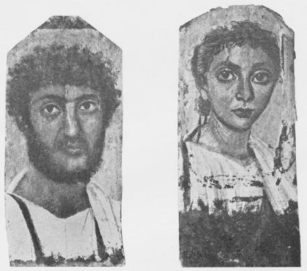 Portrætter malede i Kejsertiden enkaustisk paa Træplader, forestillende en Mand og en Kvinde,<bfundet af Arabere i Fajjûm, erhvervet af Tæppehandler Th. Graf fra Wien paa Stedet og solgt<btil Antiksamlingen.<b